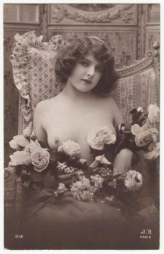 1910 ORIGINAL FRENCH EROTIC RPPC GIRL LOVELY BEAUTY  FERNANDE AGELOU