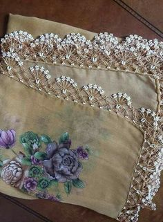 Diy Crafts - This is one of the prettiest oya i have seen. I dont think its crochet tho Diy Crafts Crochet, Crochet Art, Crochet Projects, Lace Patterns, Crochet Patterns, Needle Tatting, Diy Bow, Crochet Borders, Crochet For Beginners