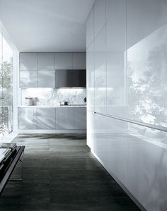 Clean white cabinets. Varenna by Poliform