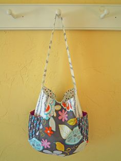 I made this from the Noodlehead 241 tote pattern.