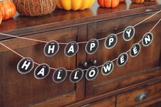happy halloween garland (free printable) from kiki and company.