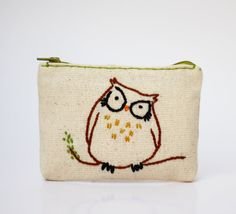 owl coin purse hand embroidery on linen green by NIARMENA