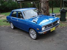 4Dr Datsun 1200