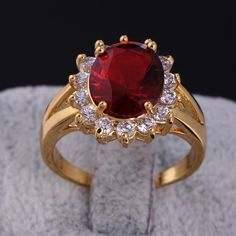 Fashion 18K Gold Plated Sunflower Shape Copper Jewelry Finger Ring Inlay Big Red Zircon Full Sizes