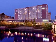 Rochester (NY) Radisson Rochester Riverside United States, North America Stop at Radisson Rochester Riverside to discover the wonders of Rochester (NY). The hotel offers a high standard of service and amenities to suit the individual needs of all travelers. 24-hour front desk, facilities for disabled guests, express check-in/check-out, luggage storage, Wi-Fi in public areas are on the list of things guests can enjoy. All rooms are designed and decorated to make guests feel rig...