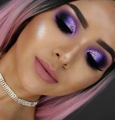 25 Easy Glitter Eye MakeUp Ideas - #makeup #makeupideas #makeover