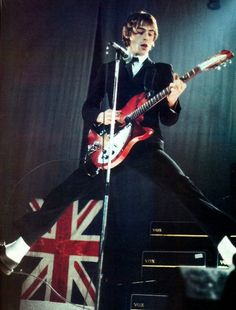 Paul Weller (The Jam, The Style Council)) New Wave, Union Jack, Music Icon, My Music, Punk Rock, Rock N Roll, Hard Rock, Blue Soul, Rickenbacker Guitar