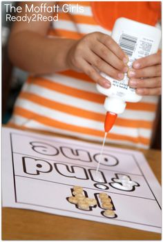 Ready2Read - Decorate your sight words with cheerios and glue! TONS of FUN and hands-on ways to LEARN TO READ!