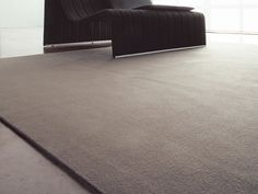 Solid-color felt rug UNITO Feltro Collection by Paola Lenti