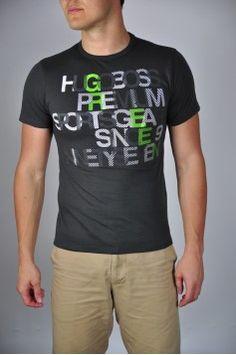 Tricou Hugo Boss Compozitie: 100% Bumbac Caracteristici: maneca scurta Spalare 30 °  Info Model Modelul poarta un tricou marimea M. Dimensiuni Model: 1.88 cm inaltime, 84 kg
