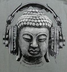 Kan mij niet focussen, moet een websitestructuur maken. Dan maar knalharde muziek in mijn oren! #ADHD