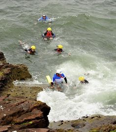breezeadventures, coasteering, north sea, activity, group jump, guided activity, scottish activities, scotland, adrenaline,