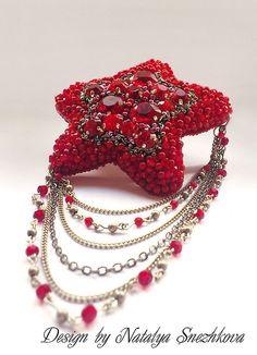 """Купить Брошь """"RED STAR"""" - красный, красный коралл, бордовый, темно-красный, брошь, броши"""