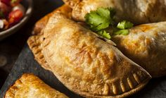 This Plantain Empanada recipe is savory fried goodness! Bonus points, it's also AIP. Give these paleo friendly plantain empanada's a try. Diabetic Recipes, Vegetarian Recipes, Lunch Recipes, Diabetic Menu, Sunday Recipes, Paleo Meals, Healthy Recipes, Healthy Dishes, Healthy Foods