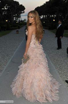 Jennifer Lopez www.thesocialblackbook.wordpress.com                                                                                                                                                      More