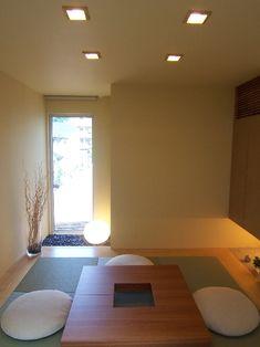 ローコストでシンプルモダンな家づくり。セブンチェア、Yチェア等の紹介。北欧+モダンで楽しむインテリア。 Modern Japanese Interior, Japanese Home Decor, Japanese Modern, Japanese Design, Interior Exterior, Interior Architecture, Zen, Home Design Decor, House Design