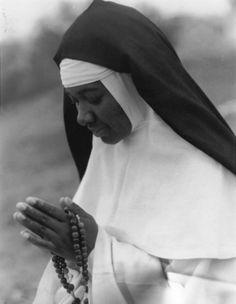 dominican-nun-marbury-alabama-rosary.jpg
