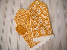 Birds and Trees Latvian Style Mittens for Wemen in by PippisTail