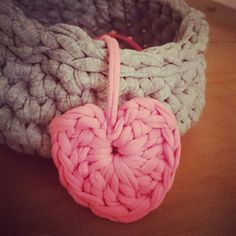 crochet heart basket, my new addiction ♥ ♥ ♥