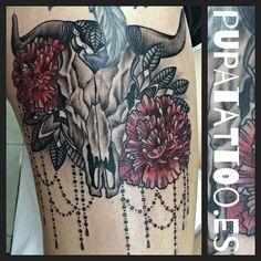 https://flic.kr/p/AmMvTg | Tatuaje Calavera y flores Pupa Tattoo Granada | Pupa Tattoo Art Gallery C/Molinos, 15 18009 Granada Spain Telf.: 958 22 12 80  instagram.com/pupa_tattoo twitter.com/PupaTattoo www.pupatattoo.es