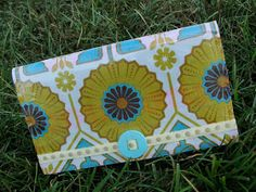 It all started with gorgeous piece of fabric from Hawthorne Threads . It is from the Modern Meadow collection by Joel Dewberry, and I am in...