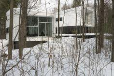 La Maison Blanche - Drummondville (Ville) / Centre-du-Québec (Canada)- Architecte : Atelier Pierre Thibault - Photo : Alain Laforest Centre, Photos, Canada, Room, Outdoor, Inspiration, Furniture, Home Decor, Colors