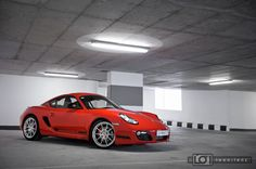 Porsche Cayman R PDK: A sports car for the enthusiast.