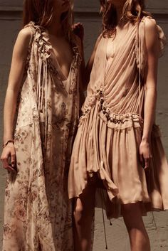 Retromantisch retro romantic fashion blog Chloé Resort 2016 collection dresses ruffle