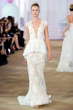 New York International Bridal Week: Ines Di Santo http://en.louloumagazine.com/wedding/new-york-international-bridal-week-10-to-die-for-dresses/ / Bridal Fashion Week de New York: Ines Di Santo http://fr.louloumagazine.com/mariage/bridal-fashion-week-de-new-york-les-10-robes-qui-nous-font-rever/