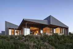 Architect House, Architect Design, Modern House Plans, Modern House Design, Exterior Color Palette, New Zealand Architecture, Country Modern Home, Metal Cladding, Brick And Wood