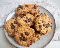 Sunde cookies - Opskrift på sunde småkager | Mummum.dk Muesli, Granola, Cookie Desserts, Cranberries, Eat Cake, Zucchini, Frozen, Paleo, Vegan