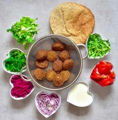 vegan easy falafel wrap with homemade tahini dressing and salad Falafel Wrap, Wrap Recipes, Dog Food Recipes, Vegetarian Recipes, Savoury Recipes, Veggie Recipes, Healthy Recipes, Homemade Tahini, Salads