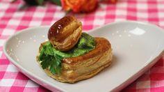 Escargots in bladerdeegje met look en peterselie   VTM Koken