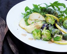 Nordic Diet: Fall recipe: Nordic Superfood Salad with Lemony Dr. Heart Healthy Recipes, Real Food Recipes, Healthy Snacks, Healthy Eating, Brussel Sprout Salad, Brussels Sprouts, Sprouts Salad, Nordic Diet, Superfood Salad