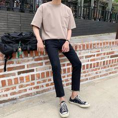 Asian Men Fashion, Korean Fashion Summer, Fashion Fall, Street Fashion Men, Fashion Trends, Mens Fashion, Fashion Tips, Korean Casual Outfits, Stylish Mens Outfits