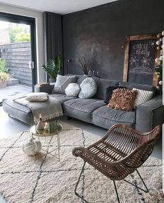Top Living Room Ideas With Black Walls Living room color ideas for brown furniture Living Room Color, Home Decor, Room Inspiration, Apartment Decor, Living Room Decor Modern, Interior Design Living Room, Interior Design, Cozy Interior, Living Room Designs