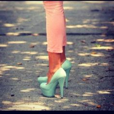 tiffany blue heels and petal pink pants Mint Heels, Blue Heels, Turquoise Heels, Green Heels, Pink Turquoise, Pink Blue, Turquoise Fashion, Hot Blue, Dresses