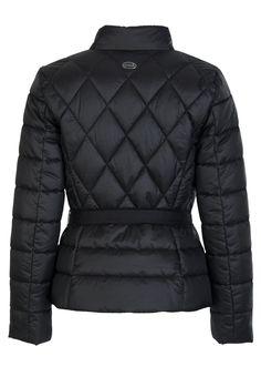 Онлайн-магазин Elyts предлагает купить черную куртку LUISA SPAGNOLI по цене 43900 рублей. Бесплатная примерка перед покупкой. Звоните 8 (800) 200-1691. Артикул SAMBA.