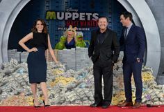 It's Time to Light the Lights: The Muppets Most Wanted Premiere #MuppetsMostWantedEvent http://www.surfandsunshine.com/muppets-most-wanted-premiere/