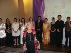 Con los cantantes líricos y la profe Janice