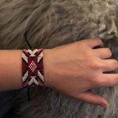 Loom beaded bracelet with waxed cord / Beaded bracelet made with Miyuki delica beads / Native inspired bracelet Bracelets Roses, Tribal Bracelets, Bead Loom Bracelets, Colorful Bracelets, Handmade Bracelets, Gypsy Bracelet, Heart Bracelet, Festival Bracelets, Loom Bracelet Patterns