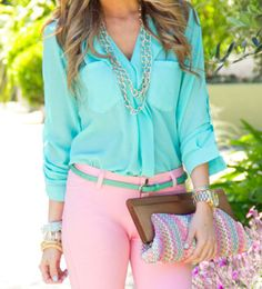 In love with this mint blouse. Great paring on the pant color!! Great spring outfit look!!