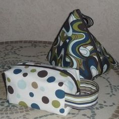 Square and triangular bags with no seams