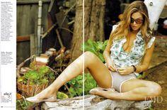 La Bella Bar in Elle Italy with Bar Refaeli - (ID:6798) - Fashion Editorial…