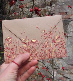 Beautiful envelopes for letters and handmade cards. Detailed and intricate floral designs. Mail Art Envelopes, Wedding Envelopes, Tarjetas Diy, Art Postal, Paper Art, Paper Crafts, Pen Pal Letters, Envelope Art, Envelope Design