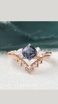 Tanzanite Engagement Ring, Dream Engagement Rings, Engagement Rings With Sapphires, Saphire Ring, Sapphire Wedding Rings, Sapphire Rose Gold Ring, Pretty Rings, Pretty Wedding Rings, Jewelry
