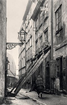 ul. Rycerska, Stare Miasto, podpory kamienicy zagrożonej zawaleniem, 1926