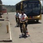 """Campanha de educação de Recife chamada """"Amigo Motô"""" da ONG AMECiclo em parceria com a empresa Itamaracá para conscientizar motoristas de ônibus. Saiba mais: http://glo.bo/W1QQ8k"""