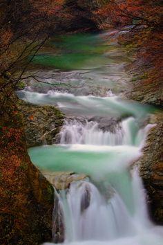 Houmei-Shijuhachi-taki Falls, Sendai, Miyagi, Japan | by Jussi Lyons on 500px