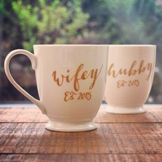 personalized wedding favors to each other - wifey and hubby mugs with the wedding date - Weddingomania Perfect Wedding, Our Wedding, Wedding Gifts, Dream Wedding, Brunch Wedding, Wedding Outfits, Wedding Favors, Wedding Ceremony, Reception